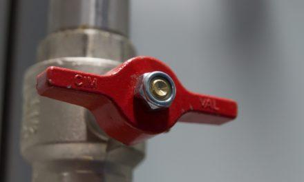 Optez pour un plombier certifié pour réparer les fuites de canalisations