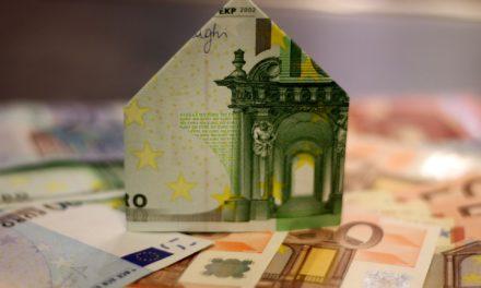 Prêt immobilier : faut-il passer par un courtier ou directement par la banque ?