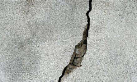 Faut-il s'alerter en cas de fissures sur la façade ?